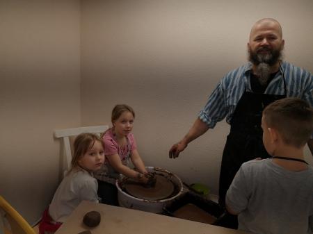 Projektowe zajęcia z ceramiki - Mały artysta